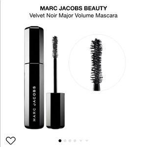 Sephora Makeup - Marc Jacobs Velvet Noir Major Volume Mascara